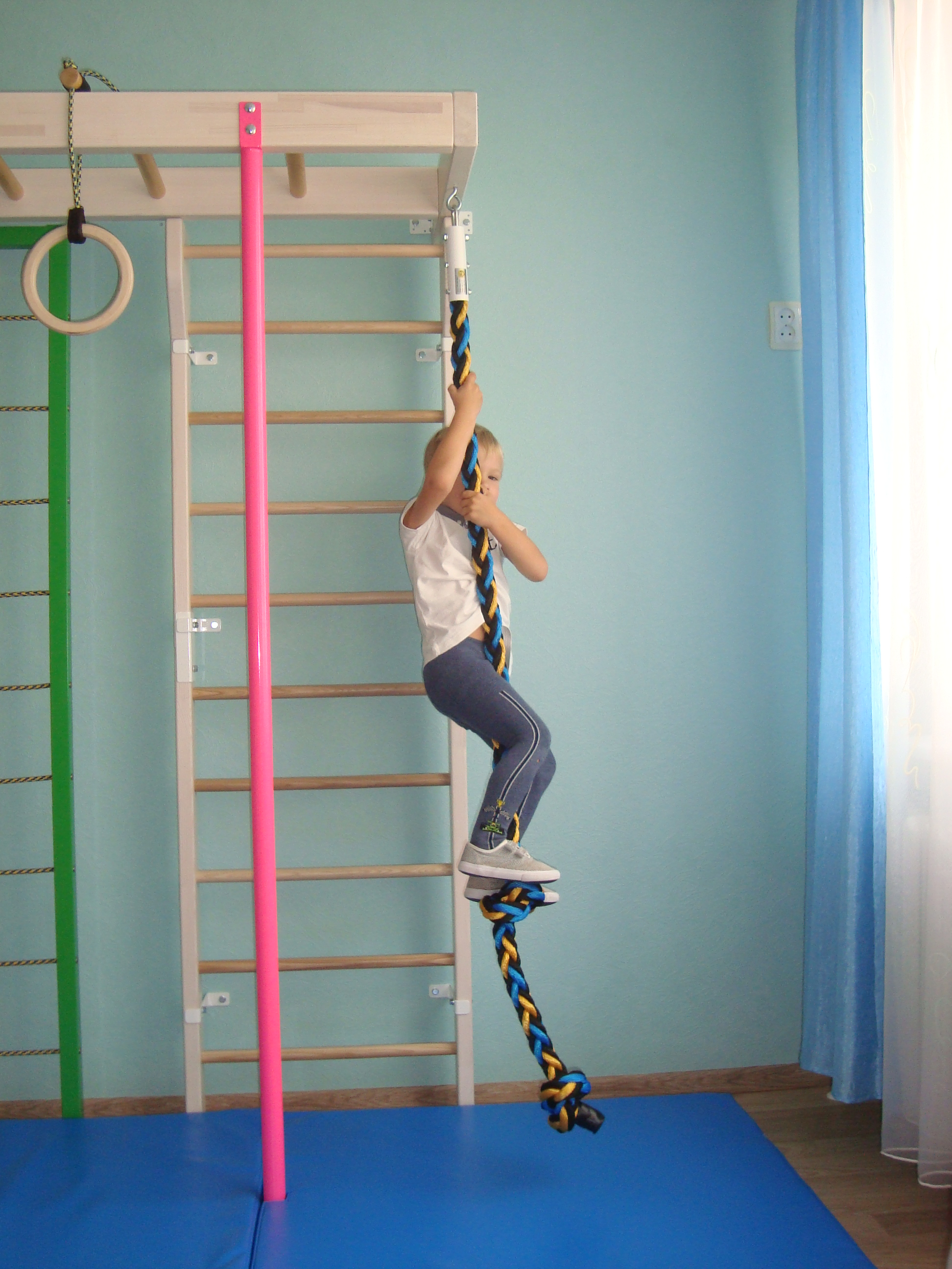 For kids workout rope gym climbing sport and fitness